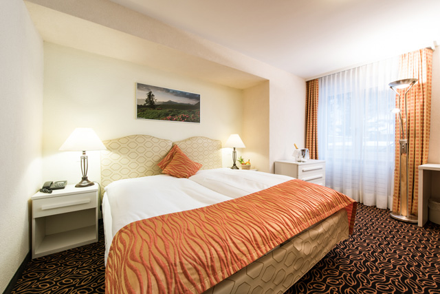 http://posthotel-arosa.ch/uploads/images/rooms_home/doppelzimmer_comfort.jpg